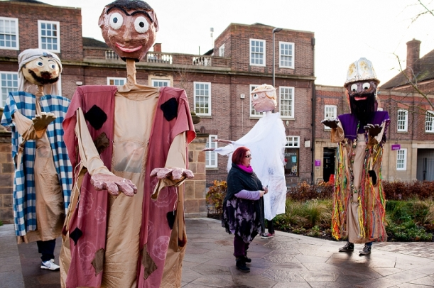 RuthJoyPhotography_ cathedral_puppets-35