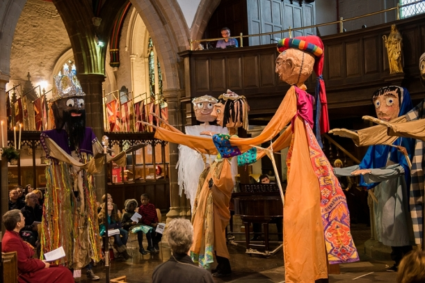 RuthJoyPhotography_ cathedral_puppets-63