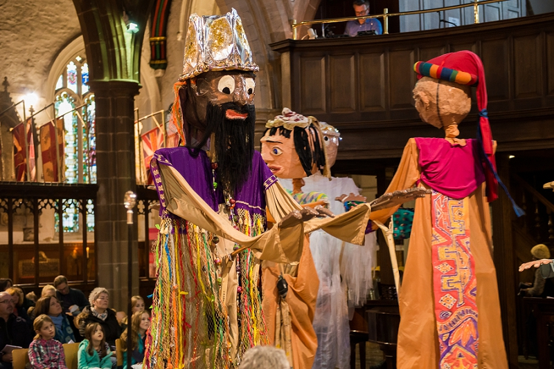 RuthJoyPhotography_ cathedral_puppets-66
